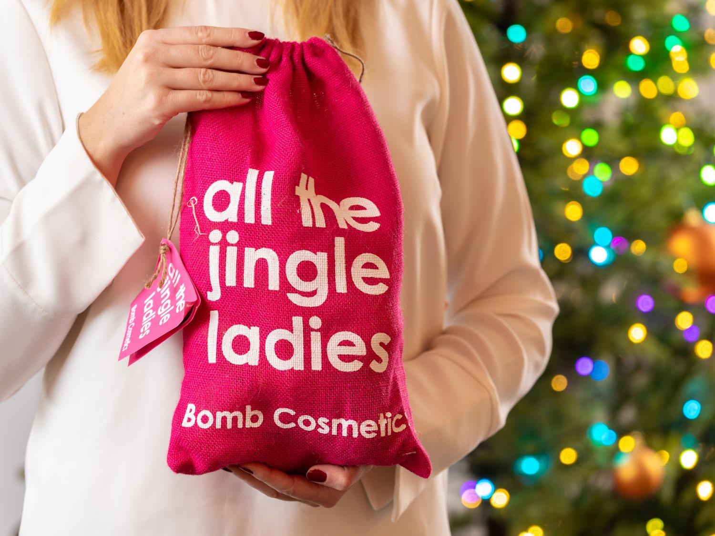 Bomb Cosmetics Badbomber i Julpåse Image
